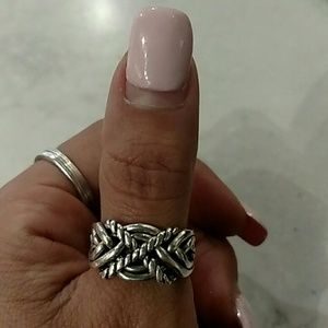 Jewelry - Gorgeous Sterling puzzle ring